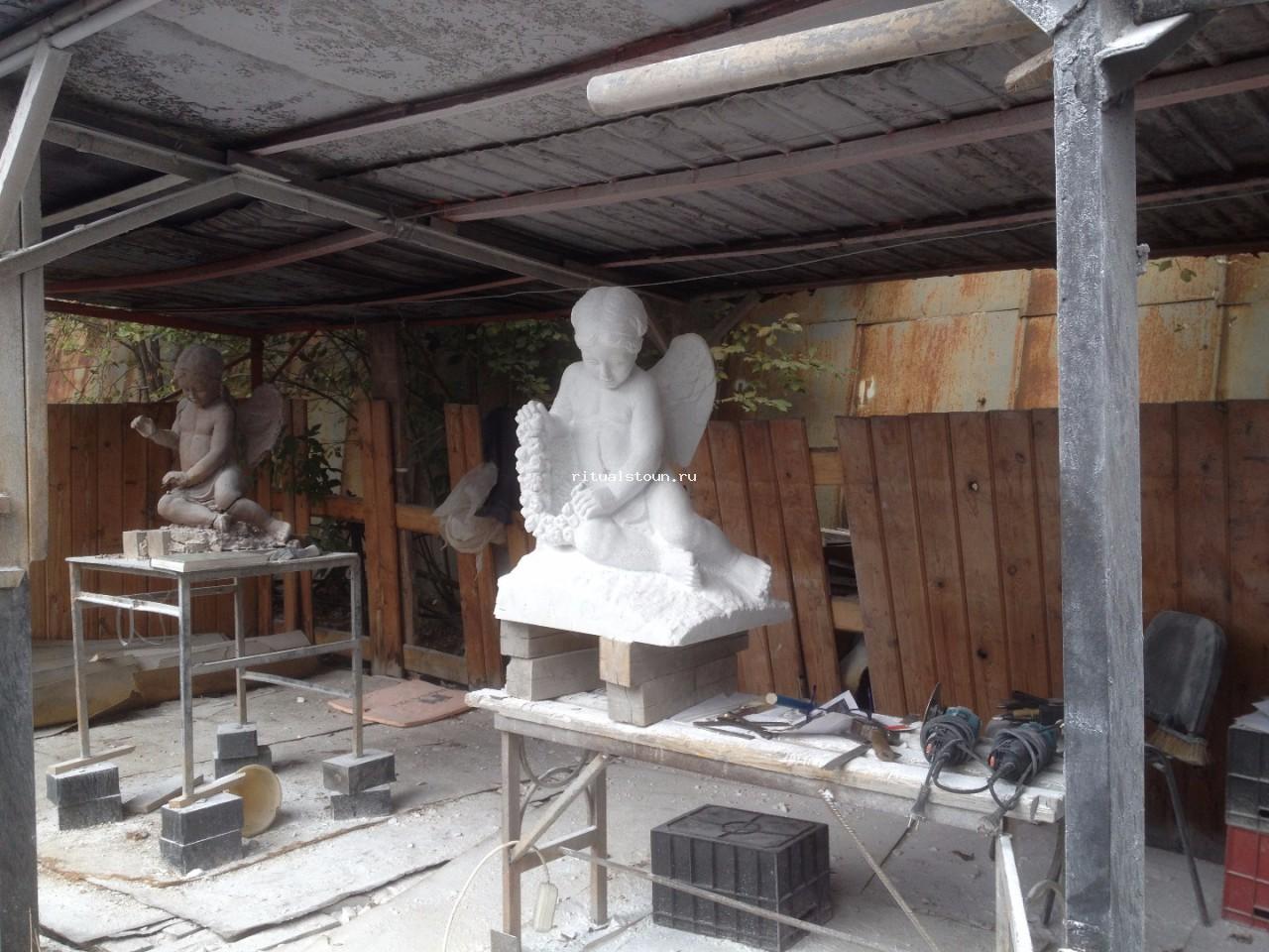 памятники во владивостоке фото и описание