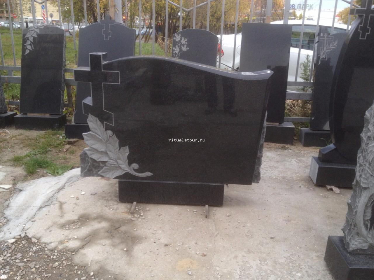 Памятники горизонтальные на могилу фото памятники данила мастер 9 15